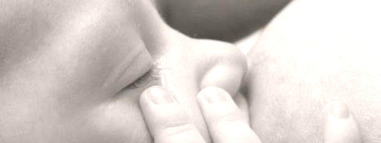 L'allattamento al seno protegge da obesità e sovrappeso