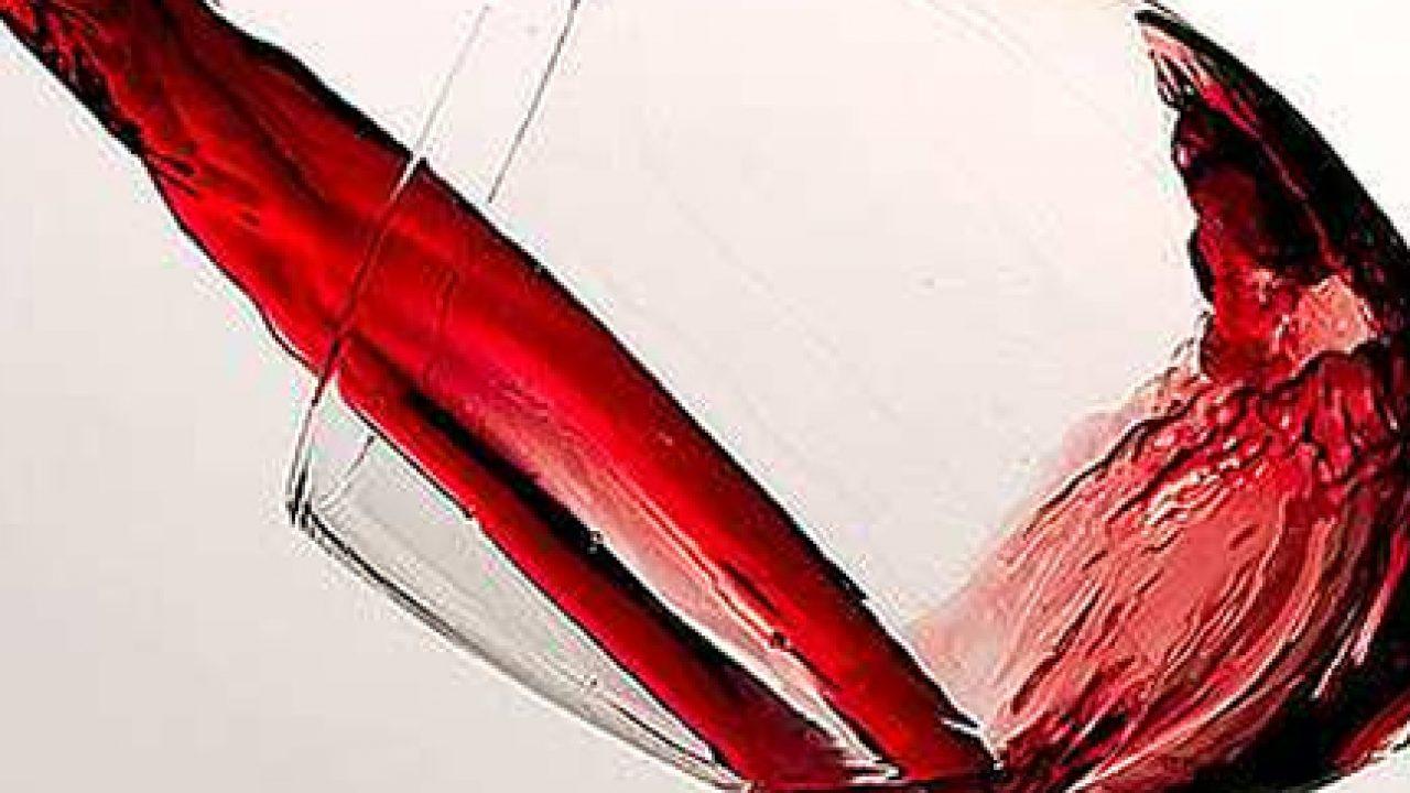 Vino rosso: quanti bicchieri proteggono il cuore e non solo?