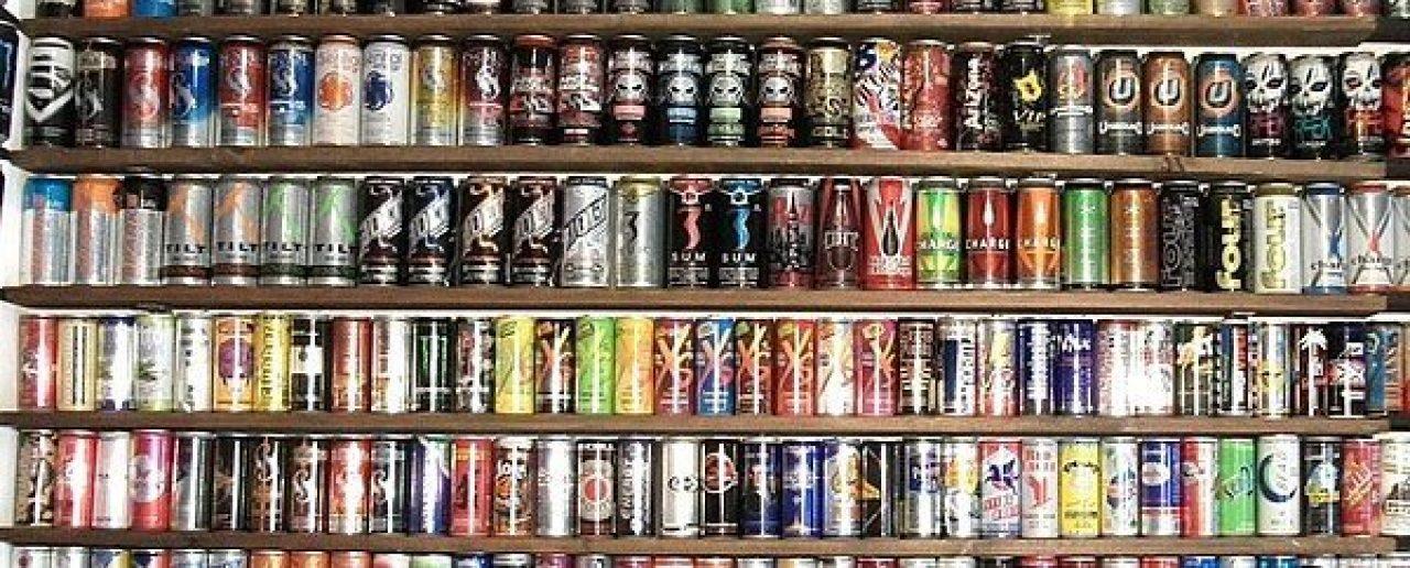 Mischiare alcol con gli energy drink è pericoloso