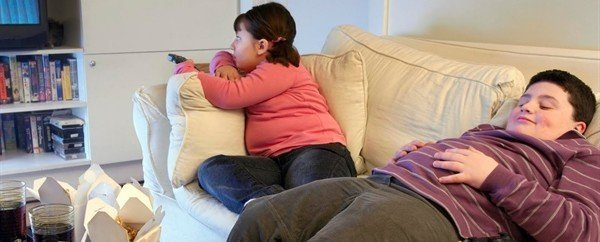 Videogiochi attivi e televisione: l'impatto sull'obesità infantile