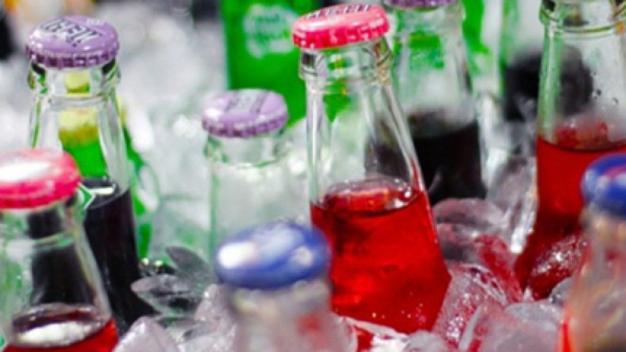 """Le bevande """"light"""" o """"diet"""" o """"prive di calorie"""" sono sicure e salutari?"""